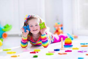 การเลือกซื้อของเล่นเด็กเล็กให้เหมาะสมกับช่วงวัย