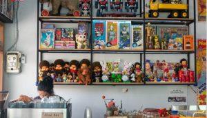 The Toys Club คาเฟ่ของคนที่รักของเล่นและสะสมของเล่นในอดีต
